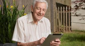 Podkarpackie: seniorzy coraz chętniej uczestniczą w kursach komputerowych