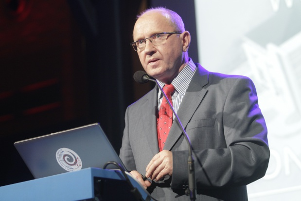 Prof. Skarżyński: powszechne badania słuchu seniorów na wzór programu u dzieci