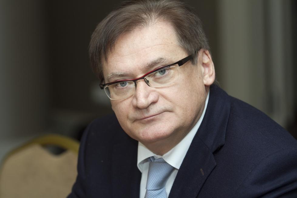 Prof. Samoliński: upodmiotowić seniorów pod kątem zdrowotnym i biznesowym