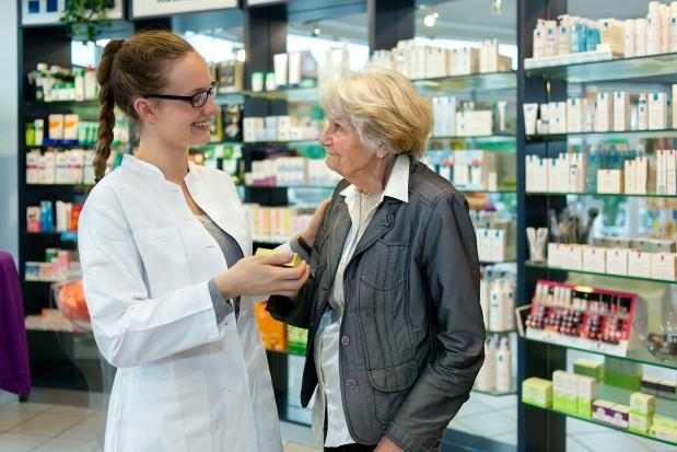 MZ: projekt rozporządzenia dot. finansowania bezpłatnych leków 75+