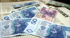 Rząd planuje podwyższyć w 2019 r. najniższe emerytury do 1100 zł