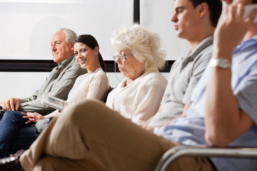 Przybywa studiów podyplomowych z geriatrią i opieką nad starszymi w nazwie