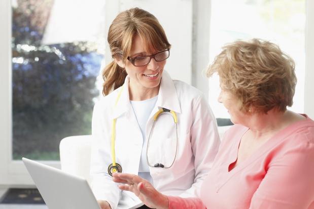 Chodzenie po schodach: rekomendowane szczególnie kobietom po menopauzie