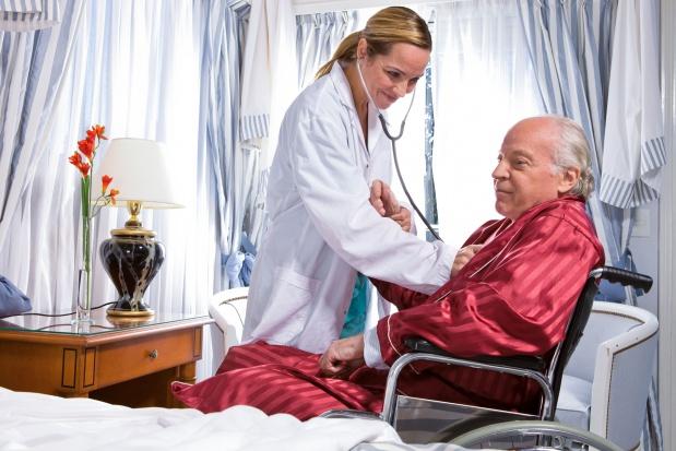 MZ: chcemy pacjentowi dać możliwość wyboru lepszej protezy czy soczewek