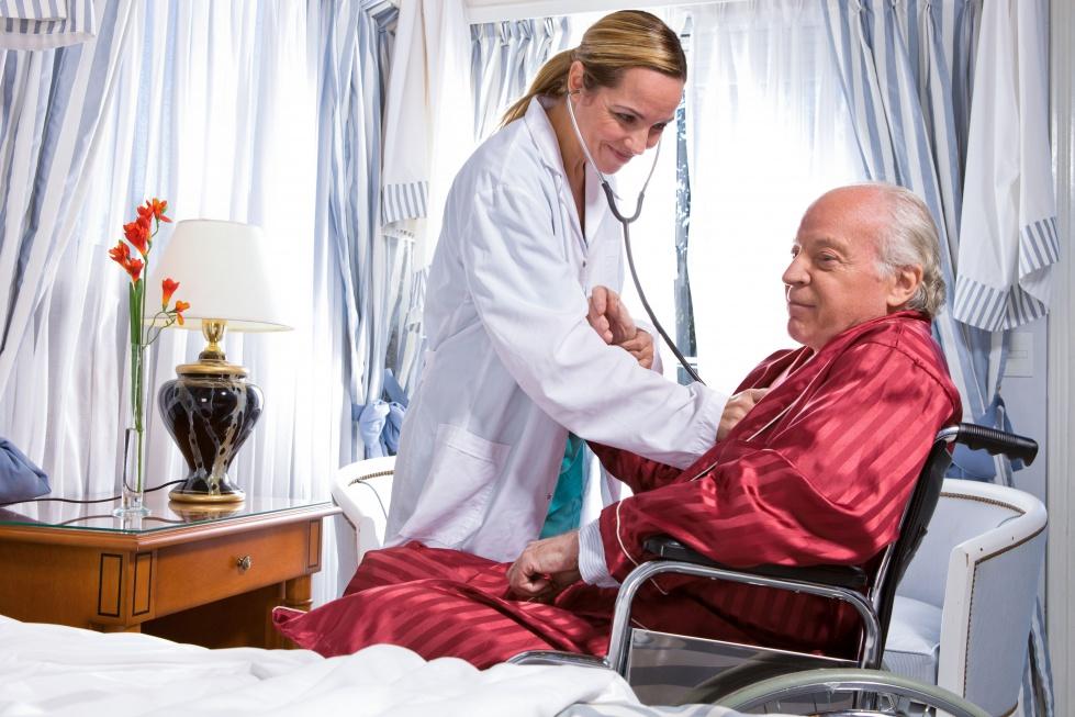 Raport OECD: alarmująco mało lekarzy w Polsce