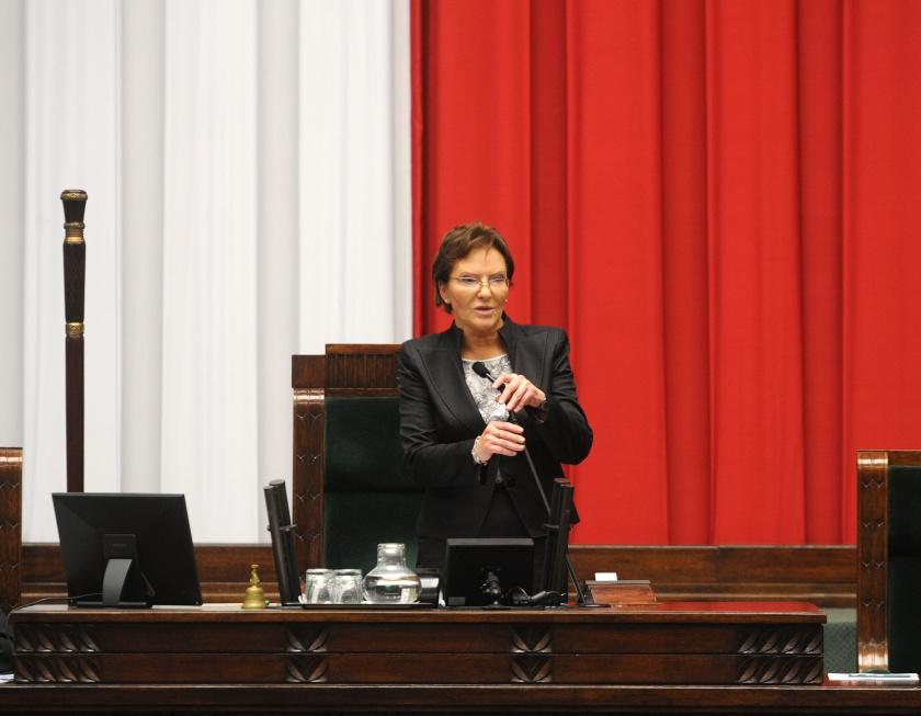 Premier Kopacz: rząd będzie rozwijał różne formy wsparcia seniorów