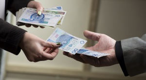 Pożyczka dla wnuczka, dziadkowie muszą płacić