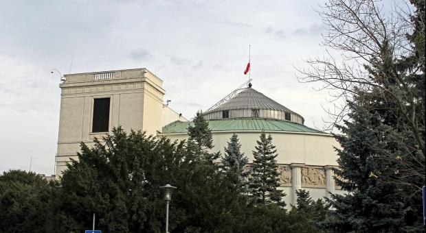 Ustawa, która oddzieli dzieci od osób starszych? Sejm przyjął kontrowersyjne prawo