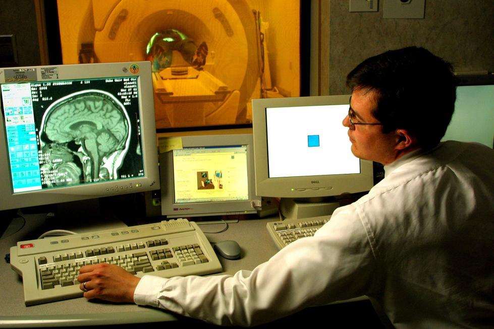 Neurolog: udar mózgu dotyka coraz starszych pacjentów