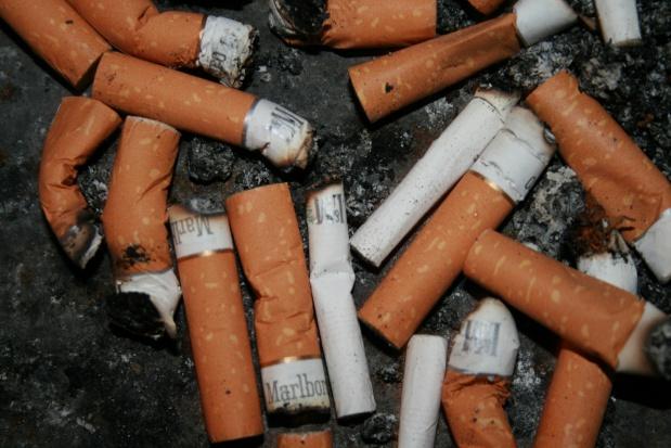 Tysiące Polaków umiera przedwcześnie z powodu palenia papierosów