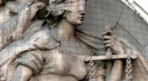 """""""Dintojra polityczna"""" czy """"sprawiedliwość dziejowa""""? Politycy o tzw ustawie dezubekizacyjnej"""