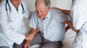 Pacjent kontra szpital: za stary na leczenie?