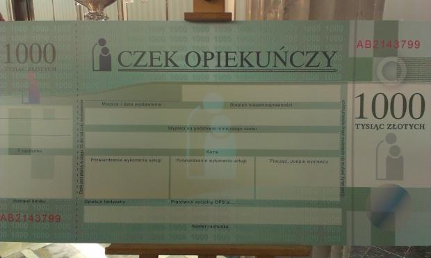 """PO rozpoczęła konsultacje projektu ustawy o """"czeku opiekuńczym"""""""