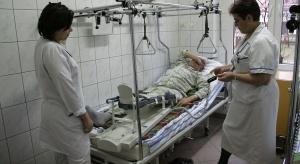 Eksperci: obniżenie wieku emerytalnego zwiększy deficyt pielęgniarek i położnych w szpitalach