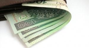 Badanie: w Polsce dwóch na pięciu emerytów pomaga finansowo rodzinie