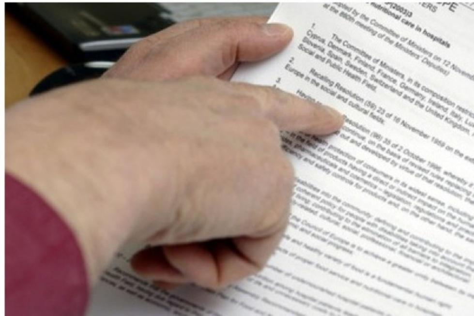 Bezpłatna pomoc prawna dla 75-latków. Rząd przyjął projekt ustawy