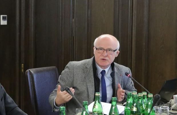 Opozycja chce zablokować w Senacie obniżenie wieku emerytalnego