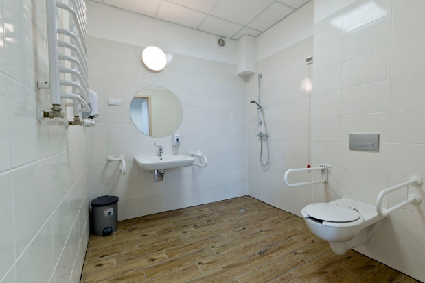 Łódzki DPS: nowoczesna łazienka ułatwi życie seniorom