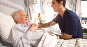 MZ: resort zakłada zwiększenie liczby łóżek dla osób starszych