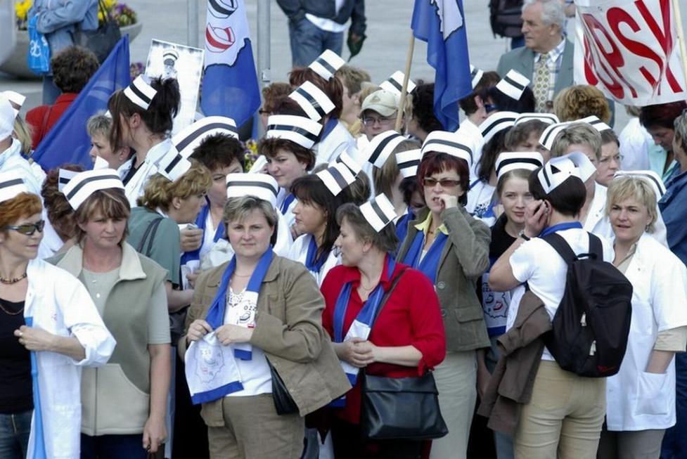 Sejm znowelizował ustawę o zawodach pielęgniarki i położnej