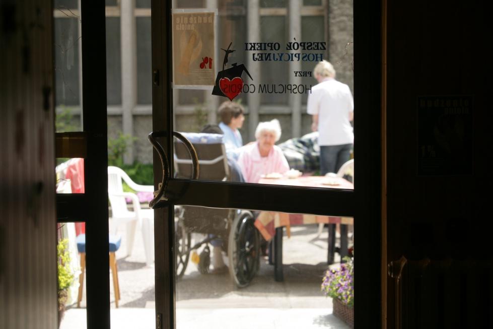Plan finansowy NFZ: więcej na opiekę paliatywną i hospicja