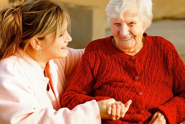 Śląskie: ruszył kurs na opiekuna osoby starszej