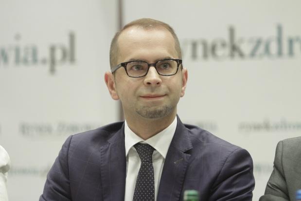 """Propozycje PO dla seniorów: m.in. emerytury bez podatku i """"czek opiekuńczy"""""""
