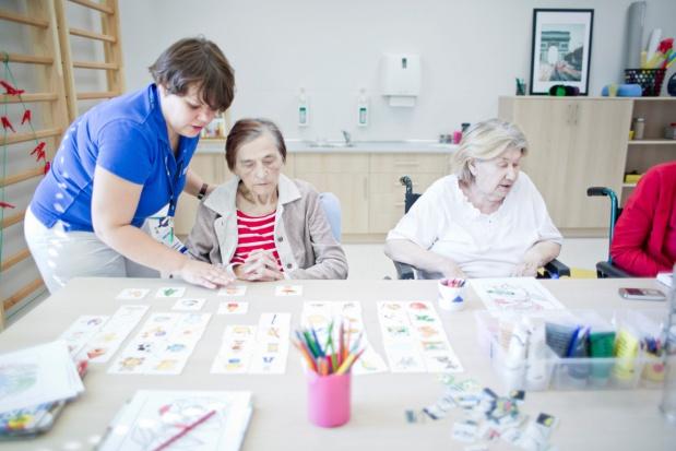Bezpłatne zajęcia plastyczne dla seniorów z Kołobrzegu