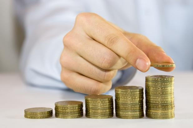 Rząd chce podnieść minimalną emeryturę do tysiąca złotych, ale stawia warunki