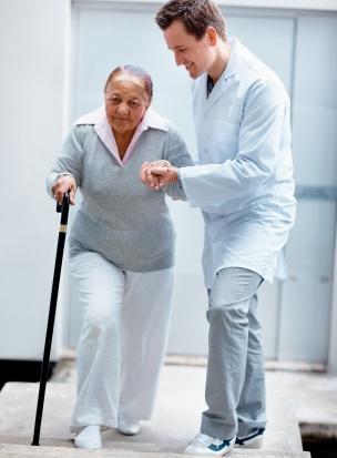 Fizjoterapia i pielęgniarstwo popularne wśród kandydatów na studia