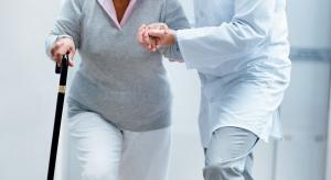 Jak utrzymać starszych i przewlekle chorych na rynku pracy?