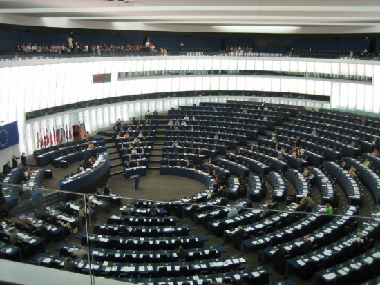 Europosłowie chcą niższych cen leków w UE