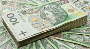 Emeryci dostaną 10 tys. zł za pozostanie na rynku pracy?