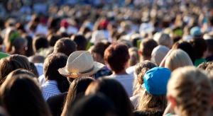 GUS: powyżej 70 r.ż. na 100 mężczyzn przypada średnio 176 kobiet