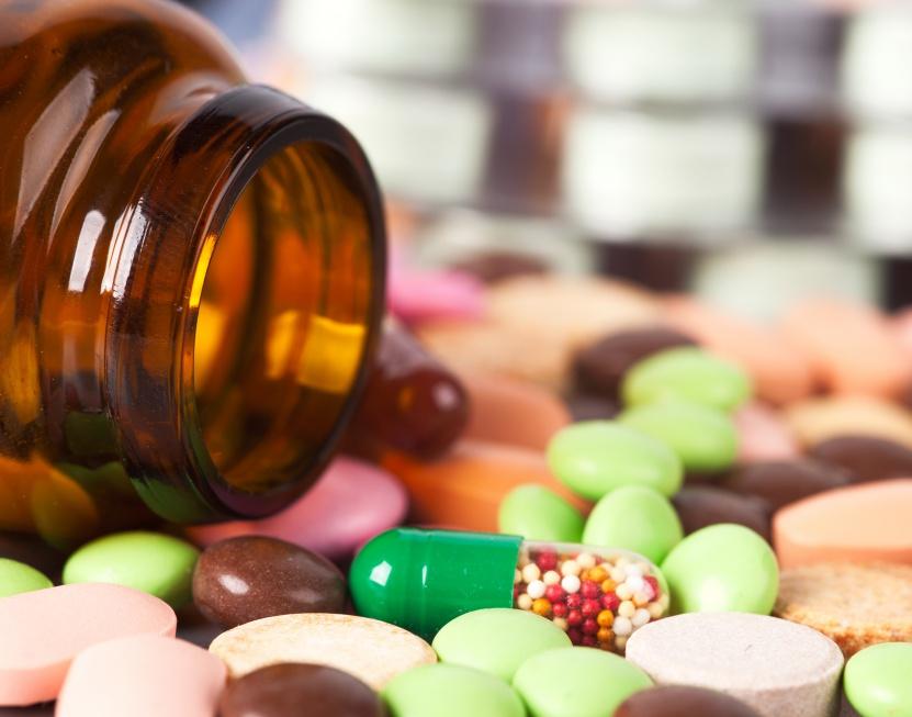 Nadużywamy leków bez recepty i suplementów. Rynek poza kontrolą
