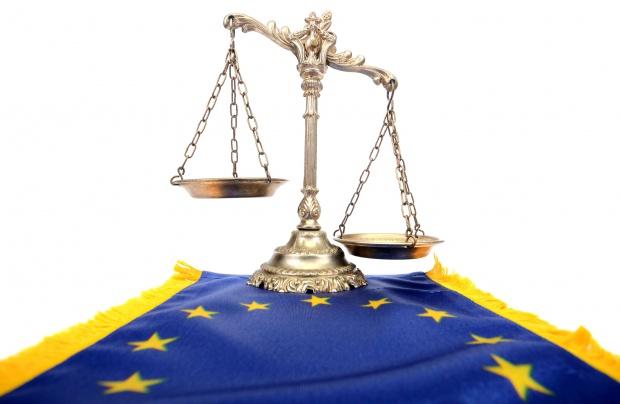 Eutanazja: jakie obowiązują przepisy w różnych krajach UE