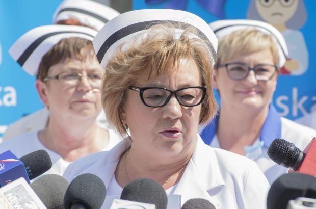 OZZPiP: za nowymi kompetencjami pielęgniarek powinien iść wyższy poziom zarobków i kształcenia