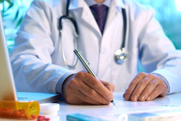 Wiceminister zdrowia: lekarze zbyt rzadko przepisują opioidy