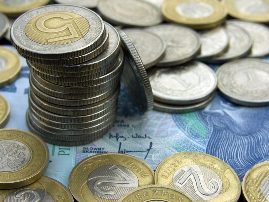 """Minister Rafalska potwierdza: będzie """"500 plus"""" dla emerytów, ale..."""