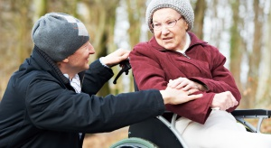 Opiekunowie dorosłych: rząd nas oszukał, sankcjonuje działania na fundamencie bezprawia