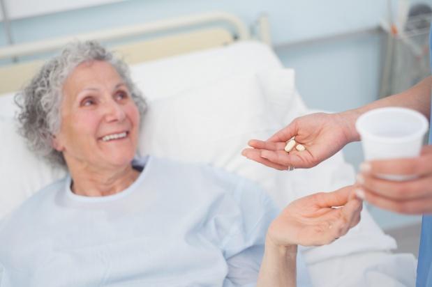 Czy zakłady opiekuńcze muszą zapewnić pacjentowi wszystkie leki?