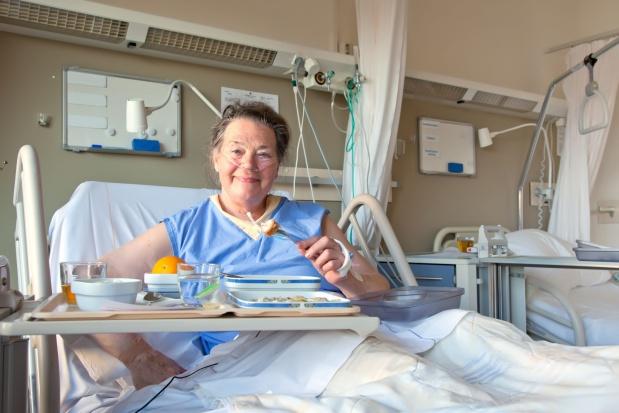 Zdaniem ministra zdrowia odpowiedzialność za żywienie w szpitalu spoczywa m.in. na dyrektorze
