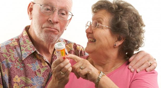 MZ przypomina zasady wystawiania recept na bezpłatne leki 75+
