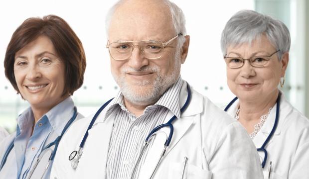 Eksperci alarmują: rośnie odsetek lekarzy w podeszłym wieku