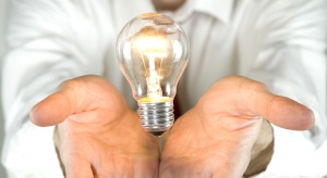 Światło w domach opieki poprawia stan cierpiących na alzheimera