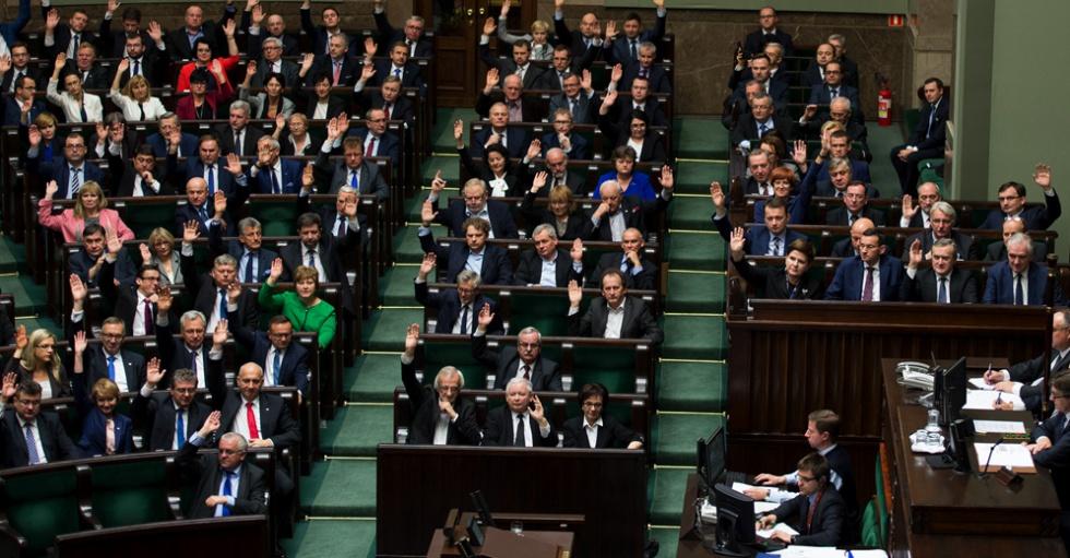 Mazurek: głosowanie nad obniżeniem wieku emerytalnego w ciągu dwóch tygodni