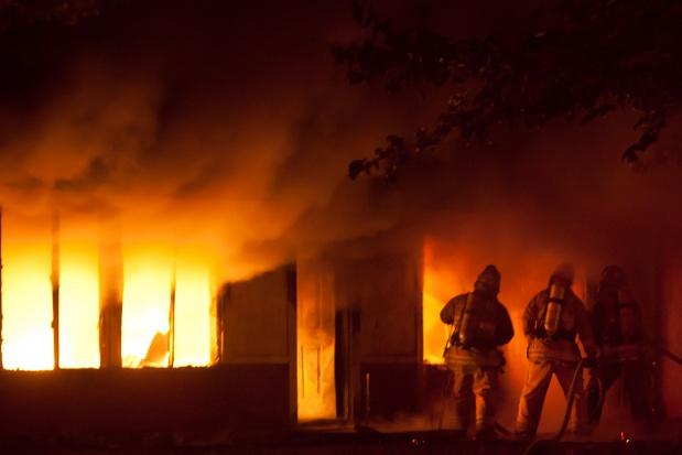 Chorzów: ugaszono pożar hali, ewakuowani pensjonariusze DPS wrócą do ośrodka