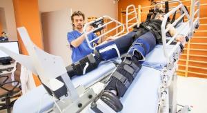 Zdalna rehabilitacja, roboty medyczne - coraz więcej innowacji medycznych