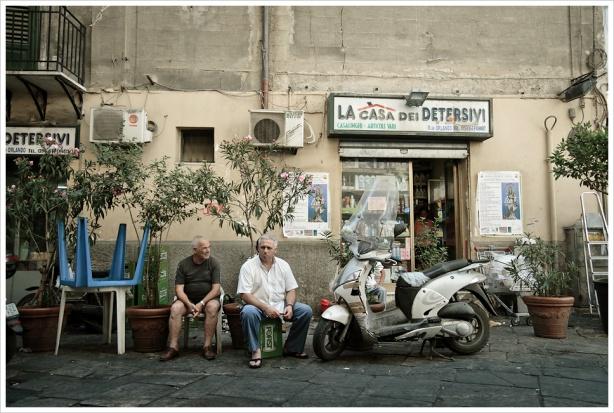 W Lombardii apteki znajdują opiekunów dla osób starszych i chorych