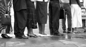 """Leki 75+: """"wymuszone"""" wizyty po recepty obciążają opiekunów i seniorów"""